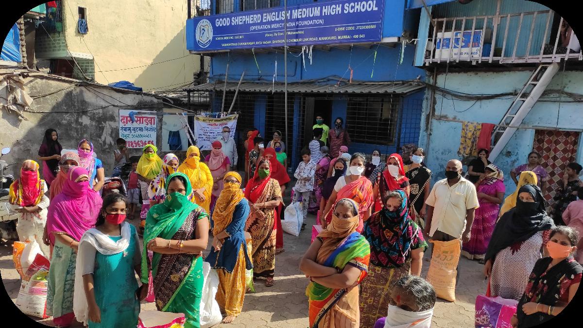 Schulen werden zu Lebensmittel-verteilungszentren umgewandelt